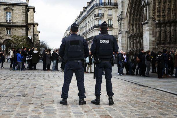 Terrori-iskujen jälkeen hälytystaso nostettiin Belgiassa äärimmilleen.