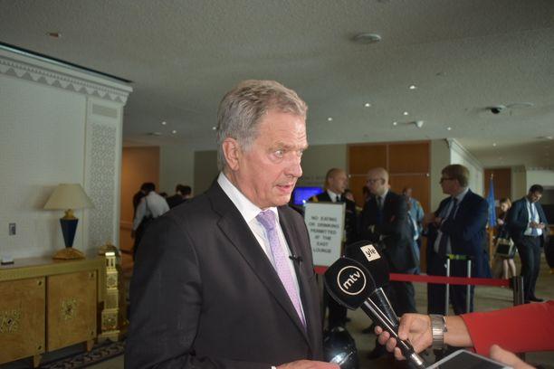 Presidentti Sauli Niinistö median haastateltavana ilmastohuippukokouksessa New Yorkissa.