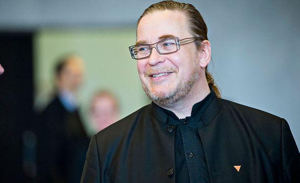 Kansanedustaja Jyrki Kasvin mielestä edustajat voisivat itse julkistaa vieraansa.