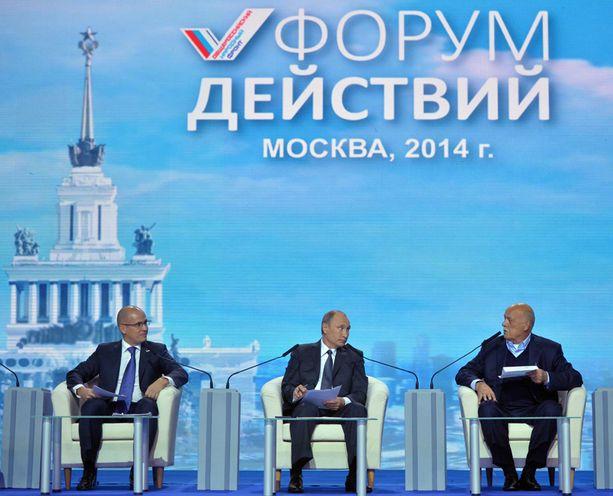 Putin esiintyi jälleen uhmakkaana lännen suuntaan.