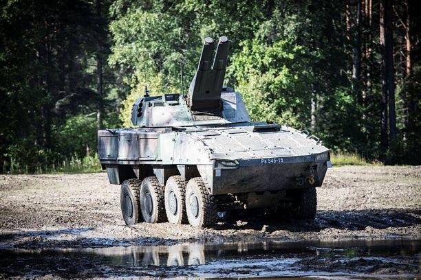 Kranaatinheitinpanssariajoneuvo XA-361 on kotimaista uudistuotantoa.