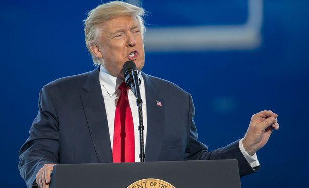 Yhdysvaltain presidentti nosti Twitterissä Ruotsin maahanmuuttopolitiikan tikun nokkaan.