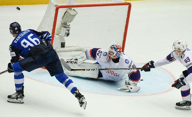 Mikko Rantanen oli näkyvästi esillä Norjaa vastaan.
