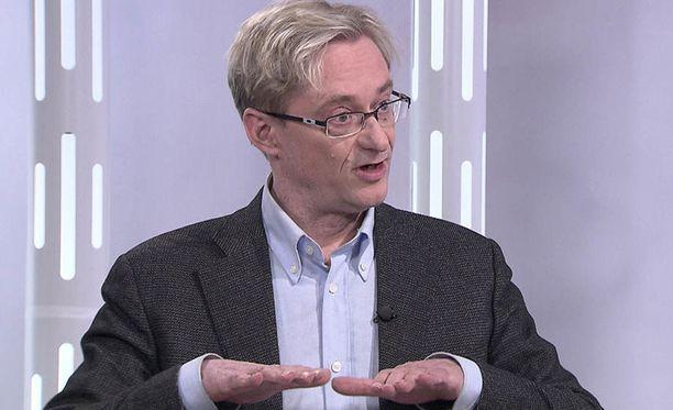 Mikael Jungnerin mukaan huhu autotallikuhertelusta ei pidä paikkaansa.