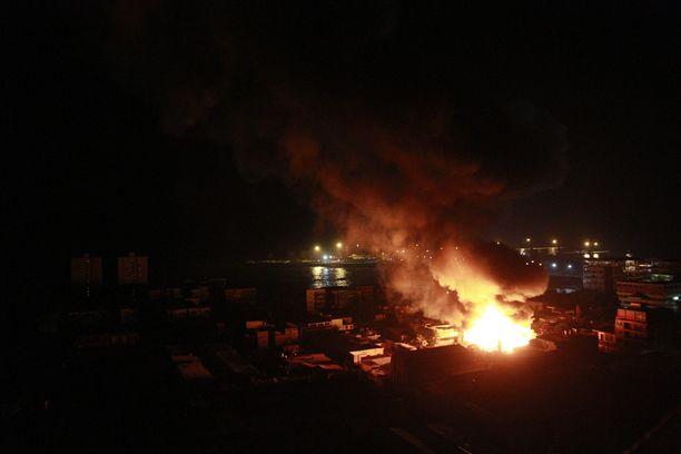 Järistys aiheutti tulipaloja Iquiquen kaupungissa.