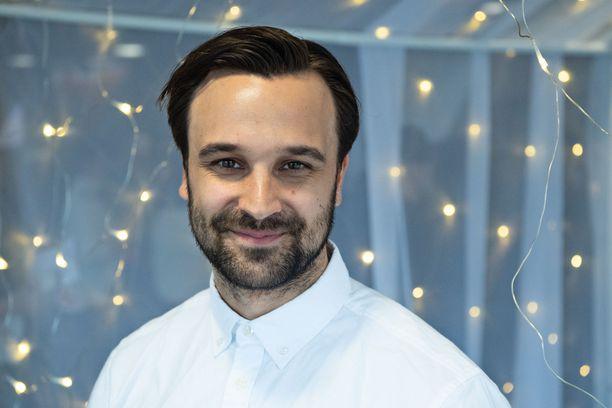 Mikko Parikka tunnetaan paitsi Salatut elämät -sarjasta, mutta myös Tanssii tähtien kanssa -ohjelmasta sekä Fort Boyard Suomi -ohjelmasta.
