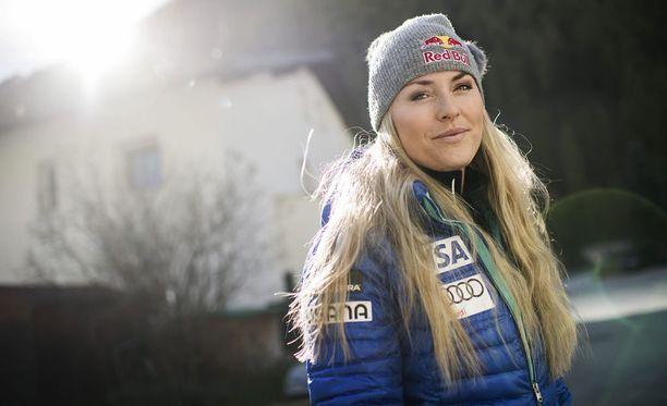 Lindsey Vonn otti viimeisimmän maailmancup-osakilpailuvoittonsa lauantaina, kun hän oli nopein Val dŽIséren super-g:ssä.