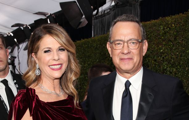 Näyttelijä Tom Hanksilla ja hänen vaimollaan Rita Wilsonilla on koronavirustartunta. Kuvassa pariskunta tammikuussa 2020.