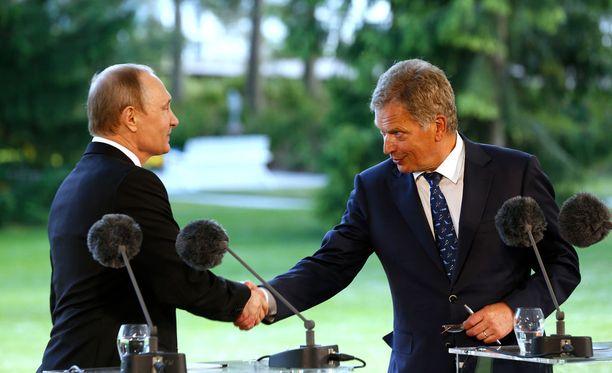 Sauli Niinistö ja Vladimir Putin Kultarannassa kesällä 2016.