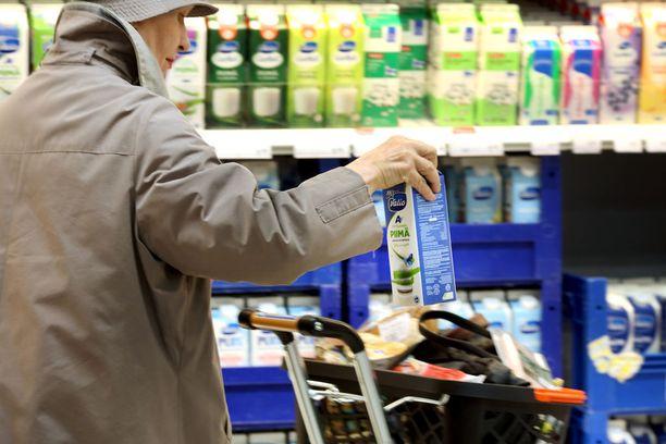 Päivittäistavaramyynti kasvoi viime vuonna 16,7 miljardiin euroon. Kaupan piristymiseen vaikuttivat Nielsenin mukaan kaupan aukioloaikojen vapauttaminen, hintatason lasku ja koko 2010-luvun laskussa olleen kuluttajaluottamuksen kääntyminen nousuun.