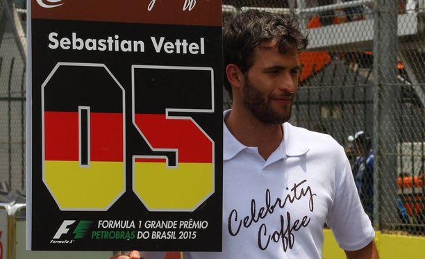 """Brasilian GP:ssä esiteltiin """"varikkopojat"""" vuonna 2015. Sen jälkeen Sebastian Vettel uhkasi menevänsä lakkoon ja Niki Lauda kutsui ideaa karmeaksi."""