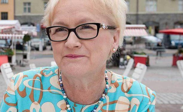 Etelä-Suomen aluehallintoviraston ylijohtaja Anneli Taina huolestui uhkailutiedosta, joka osoittautui myöhemmin perättömäksi.