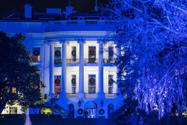 White House on koristeltu joulua varten Melania Trumpin suunnitelmien mukaan. Talossa on yli 12 000 koristetta.