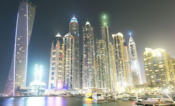 Nainen on asunut perheen mukaan jo pitkään Dubaissa.
