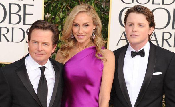Michael J. Fox ei toivoisi Sam-poikansa (oik.) tyttöystäväksi Taylor Swiftiä.