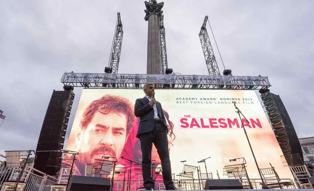 Farhadin The Salesman -elokuvaa näytettiin tänään Lontoossa Trafalgarin aukiolla Fargadin tukemiseksi.