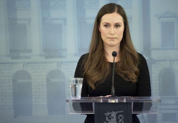 Pääministeri Sanna Marin kiistää vaikuttavansa valtioneuvoston kanslian valikoiviin salauspäätöksiin.