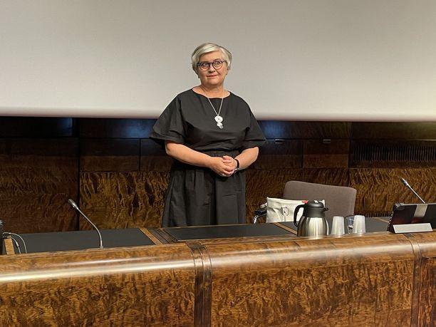 Eduskunnan puhemies Anu Vehviläinen kertoi kansliatoiminnan esityksestä tiistaina.