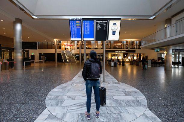Lentokentältä ostettavat huippuhalvat äkkilähdöt alkavat olla historiaa.