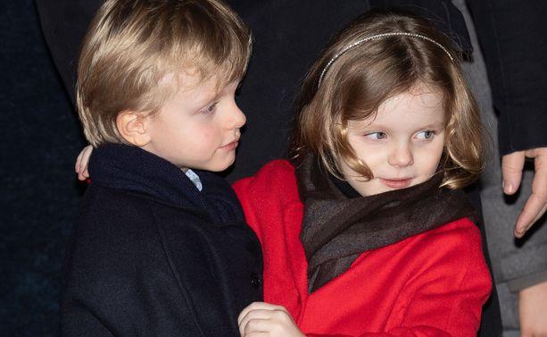 Viisivuotiaat Jacques ja Gabriella varastivat huomion Devota-juhlassa.
