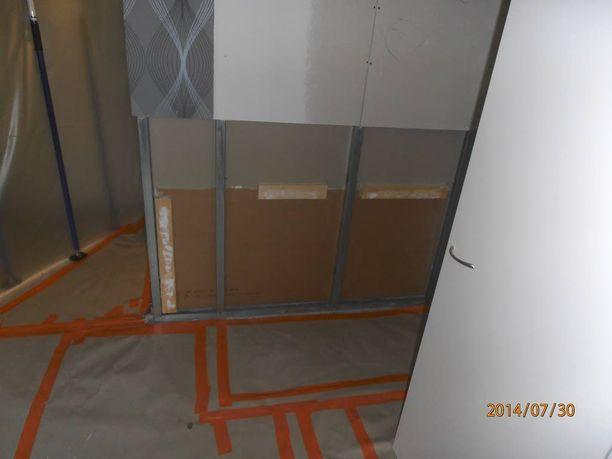 Asunnosta purettiin seinät suuren remontin yhteydessä syksyllä 2013.