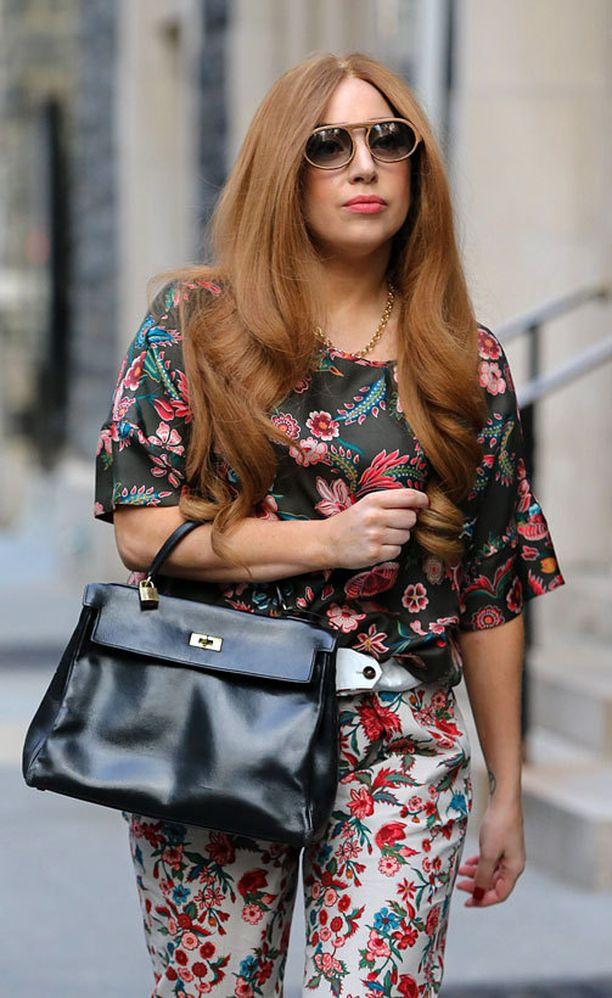 Myös Lady Gagalla on oma Hermés-laukkunsa.