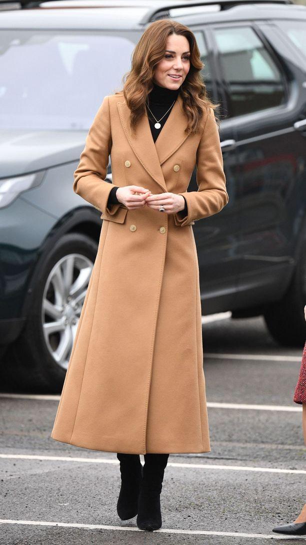 Catherinen takki on todellinen vaatekaapin klassikko, joka toimii joka tyylissä.