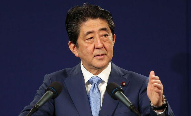 Japanin pääministeri Shinzo Abe sanoo Pohjois-Korean ohjuslaukaisun olleen ennennäkemätön ja haudanvakava uhka.