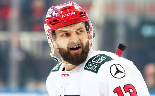 Menikö oikein? Video: kiekko näytti käyneen keskialueella, HIFK-hyökkääjän maali hyväksyttiin silti