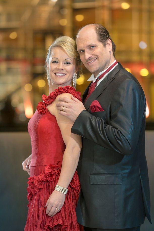 Heidi Pakarisen ja Mika Pohjosen liitto päättyi vajaa vuosi sitten.