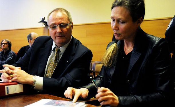 Juha Manner on tullut laajalle yleisölle tunnetuksi Anneli Auerin puolustusasianajajana.