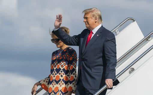 Donald Trump pakenee Floridan hellettä pohjoiseen – lähteet: Melania ei muuta mukana