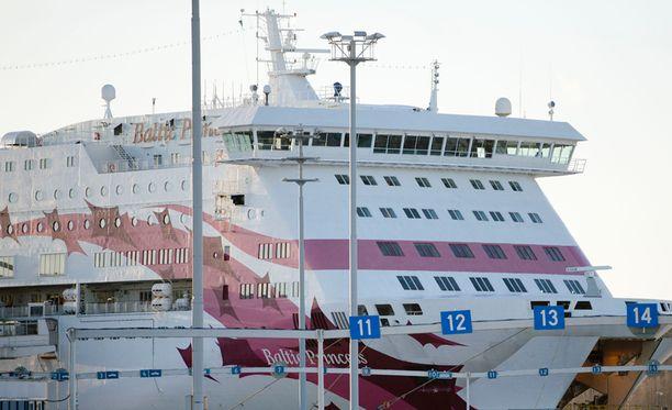 Laivalla paloivat lukijan mukaan ainoastaan hätäpoistumisvalot. Kuvan laiva ei liity tapaukseen.