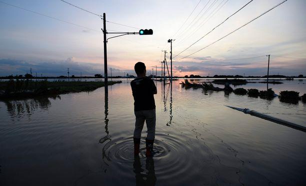 Historiallisen suuret tulvat koettelevat Japania.