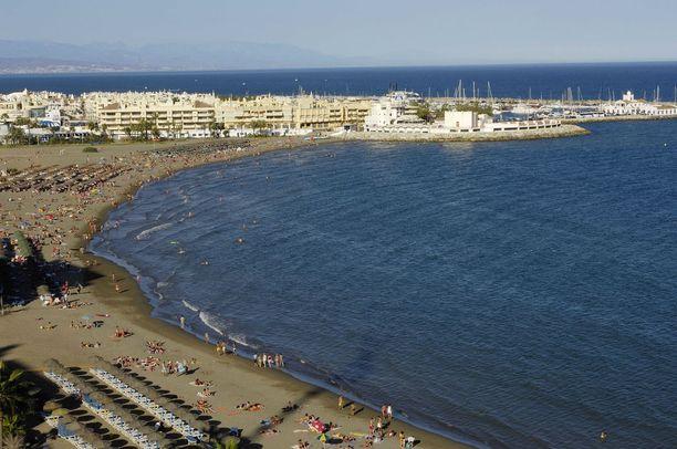 Benalmádena on suosittu rantakohde Málagassa. Alueella asuu ja lomailee paljon suomalaisia.