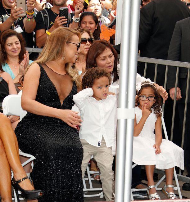 Mariah Careyn poika Scott Cannon Moroccan ei ollut aivan yhtä innoissaan äitinsä tähdestä kuin äiti itse.