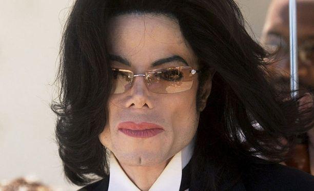 Michael Jackson kertoi kärsivänsä valkopälvistä.