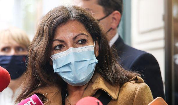 – Sakkojen saaminen on aivan absurdia, epäoikeudenmukaista ja vastuutonta, sanoi Pariisin pormestari Anne Hidalgo.