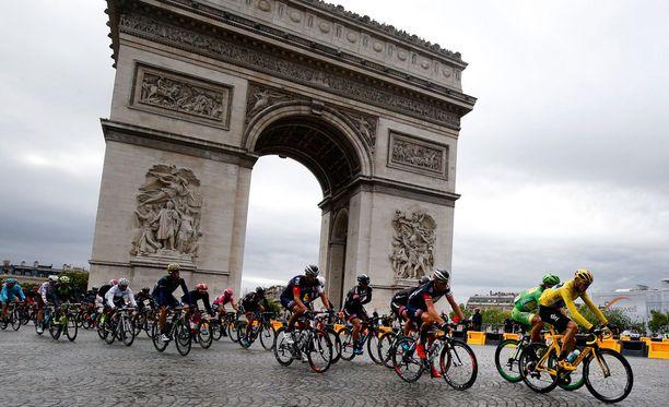 Ranskan ympäriajo huipentui eilen Pariisin keskustassa.