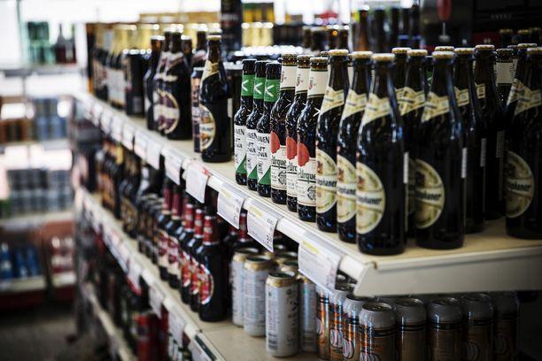 Jos luonnos etenisi laiksi, ykkösolutta vahvemmat juomat tulisi jatkossa hankkia Alkon hyllyltä.
