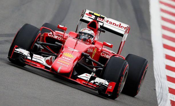 Kimi Räikkösen startti onnistui loistavasti Venäjän GP:ssä.