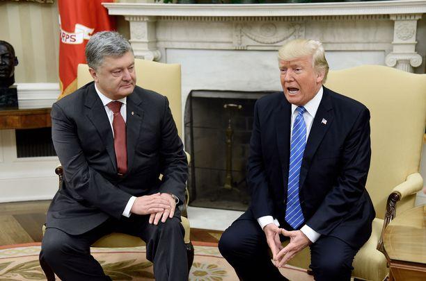 Petro Poroshenko ja Donald Trump tapasivat kesäkuussa 2017 Valkoisessa talossa.