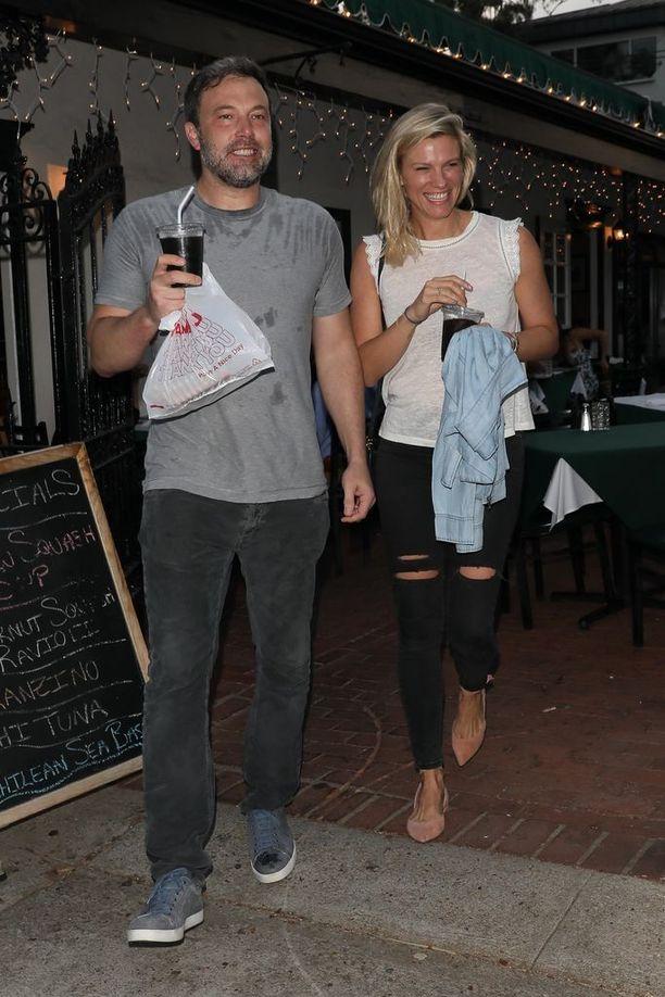 Lindsay ja Ben ovat nyt avoimesti yhdessä.