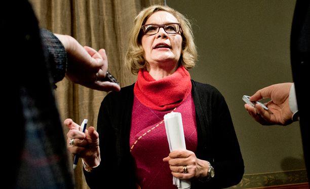 Paula Risikon mukaan kansalaisilta ja kokoomuslaisilta on tullut paljon yhteydenottoja ja kannustusta kisaan lähtemisestä.