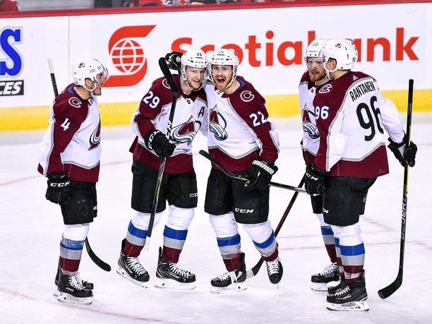 NHL:n pudotuspelien ensimmäinen kierros oli Coloradon juhlaa.