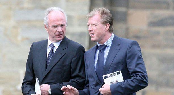Sven-Göran Eriksson (vas.) osaliistui äskettäin Steve McClarenin kanssa edesmenneen Sir Bobby Robsonin muistotilaisuuteen.