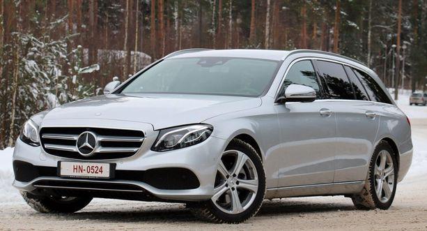 10. Mercedes E-sarja on täynnä uusimpia automaailman innovaatiota.