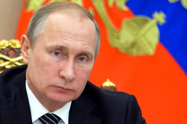Putin totesi Moskovasta käsin, ettei kahden venäläissotilaan kuolemaa Krimin rajamailla katsota sormien läpi.
