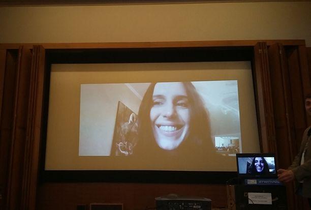 Ukrainan Euroviisuedustaja Jamala tapasi suomalaisia ja Suomessa asuvia ukrainalaisia Skype-yhteyden kautta lauantaina.