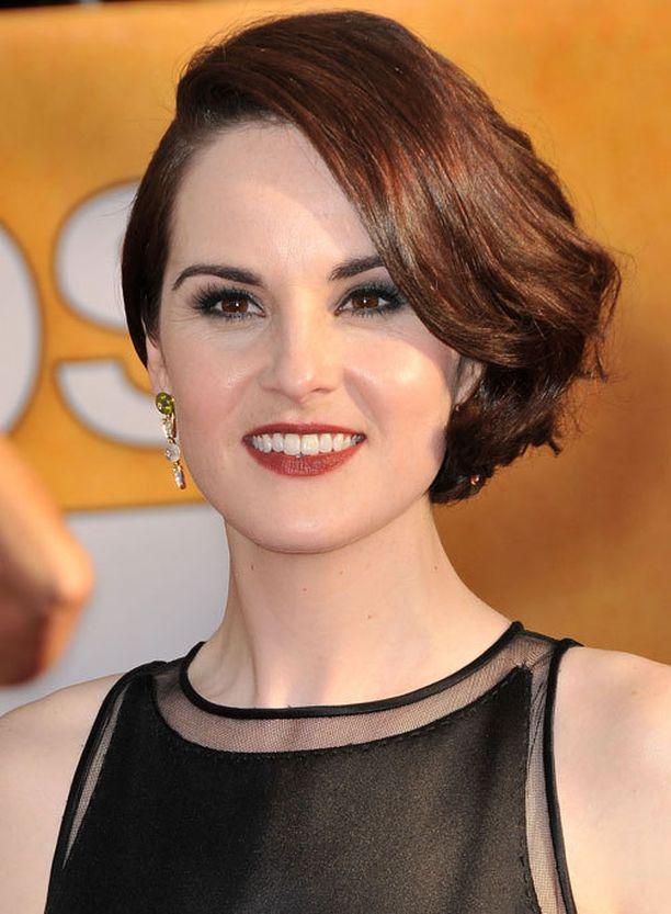 Lady Marya Downton Abbey -sarjassa näyttelevä Michelle Dockery on nyt kihlattu nainen.